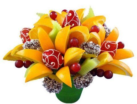 Клубника, апельсины, киви и вишни...