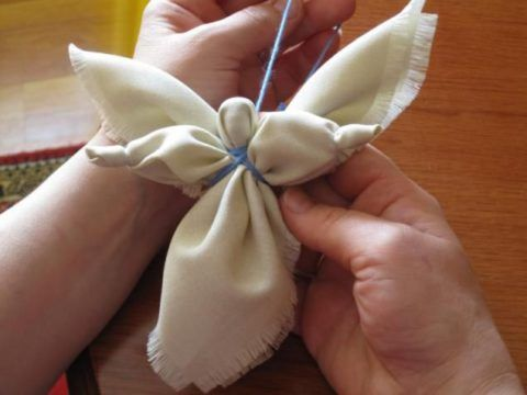 Ангелочек из ткани. Начало работы.