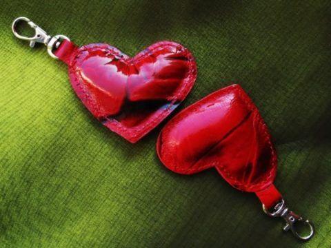 Брелки-сердечки