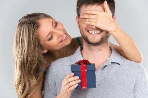 Что оригинального подарить мужу?
