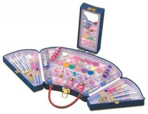 Детская декоративная косметика в удобном чемоданчике