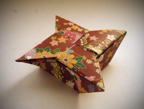 Коробочка в стиле оригами