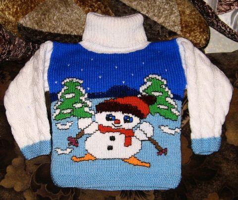 Красочный свитер от бабушки.