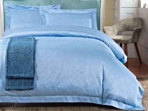 Лаконичный комплект постельного белья в голубом цвете