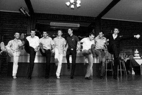 Мужскому танцу дозволительно быть смешным и веселым