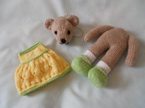 Детали мишки и одежды.