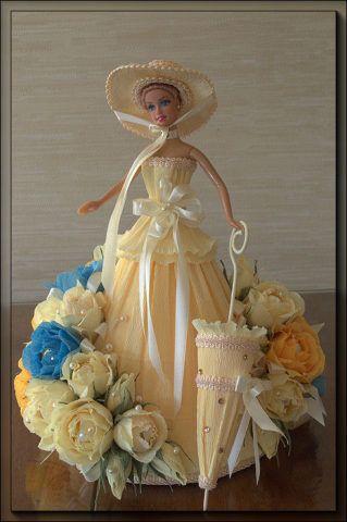 Сладкая кукла с конфетами.