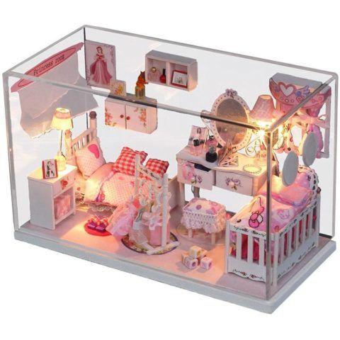 Дом с куклами