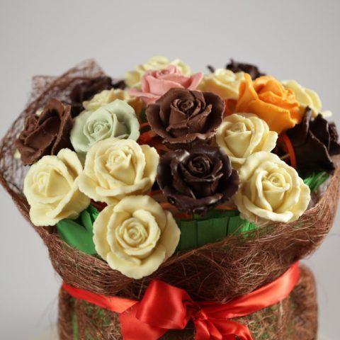 Все эти розы шоколадные!