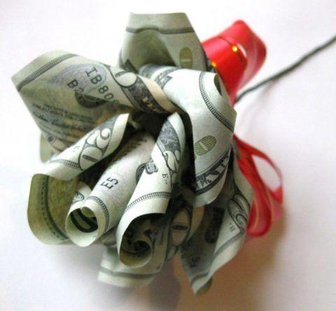 Деньги можно подарить очень оригинально и необычно.
