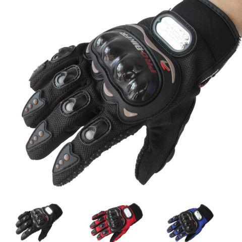 Если ваш парень мотоциклист, то он точно оценит подобные перчатки.
