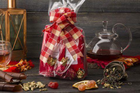 Любитель чаев оценит вкусный чай в оригинальной упаковке.