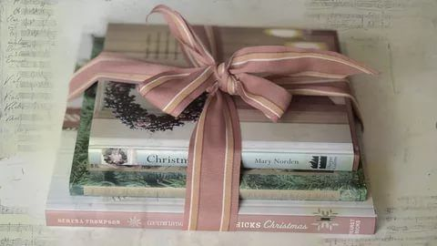 Не забудьте красиво перевязать эти книги!