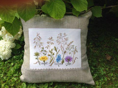 Подушка с травами внутри