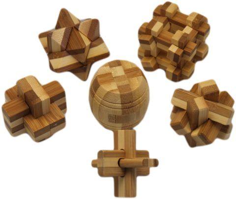 Разнообразие деревянных головоломок впечатляет.