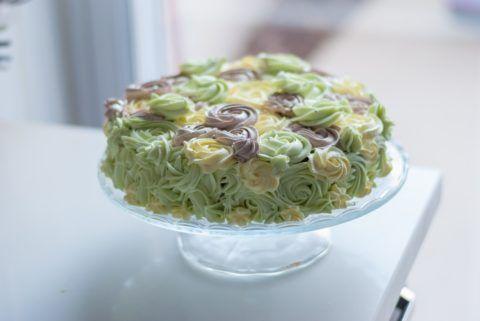 Торт в камуфляжных цветах.