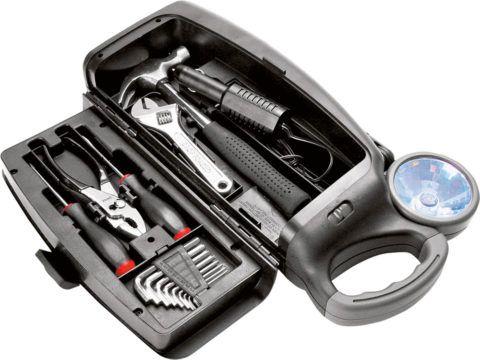В любой автомобиль нужен набор инструментов!