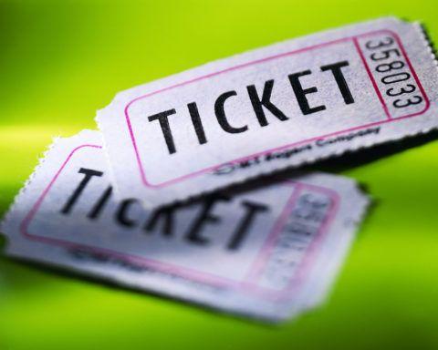 Билеты на какое-либо мероприятие.