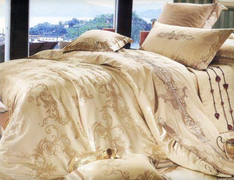 Даже самое нейтральное постельное белье слишком личный презент, чтобы дарить его руководителю.