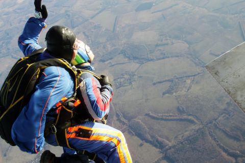 Многие мечтают полетать на параплане.