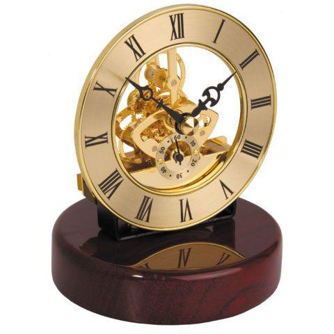 Не обязательно выбирать именно наручные часы.