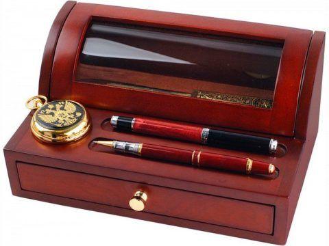 Очень часто вместе с ручками идут такие наборы.