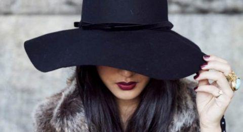 Шляпа на девушке