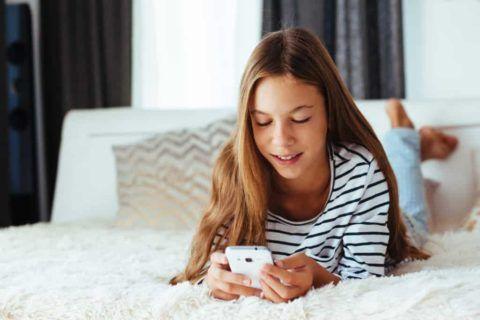 Смартфон – самая нужная вещь для подростка