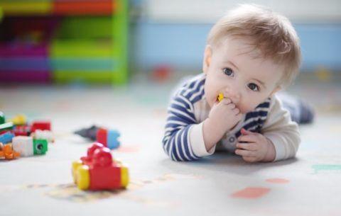 Дети часто проглатывают или засовывают в нос мелкие детали игрушек!