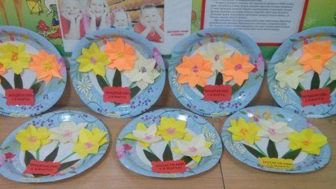 Подарок на 8 марта детям – поздравительные тарелочки