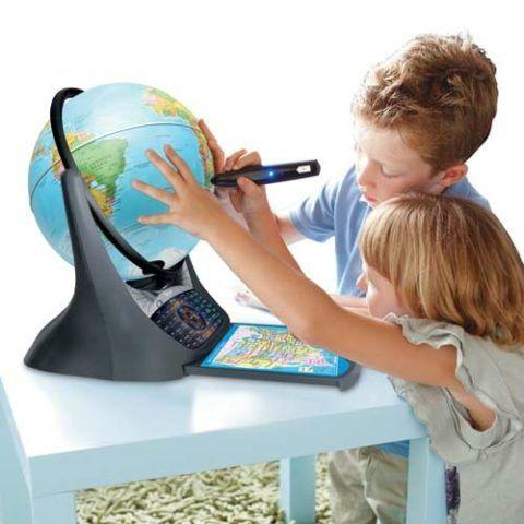 Интерактивный глобус – не спортивный, но образовательный и полезный вариант.