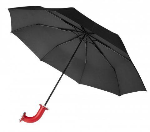 Классический черный зонт, который не раз спасет от дождя.