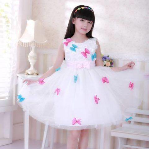 Поищите и более простые платья, которые можно будет носить практически каждый день.