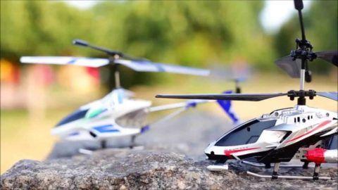 Радиоуправляемые вертолеты покорят сердце не только девочки, но и ее отца.