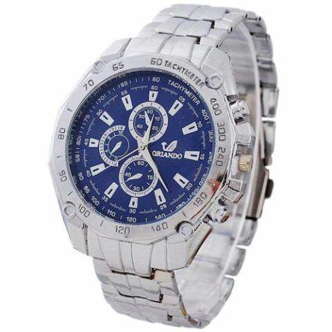 Такие часы под стать и чиновнику или другому «властному» человеку.