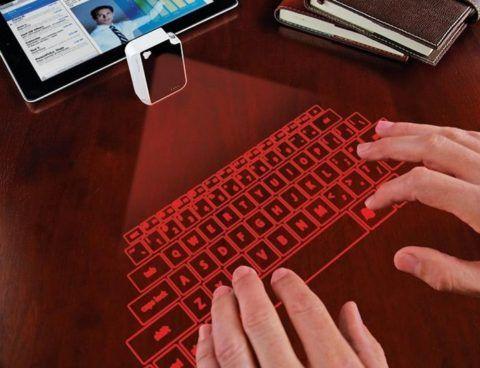 Виртуальная клавиатура появилась не так давно, но уже успела обрести своих поклонников.