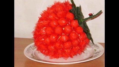 А что вы думаете по поводу малины из конфет?