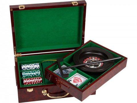 Почему бы не сыграть в покер дома?