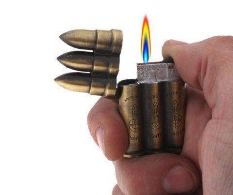 Прекрасная в своей необычной идее зажигалка для курящего человека.