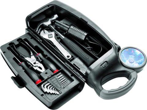 Просто необходимый в любом автомобиле набор инструментов.