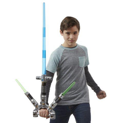 С таким мечом мальчик точно сможет почувствовать себя настоящим джедаем!
