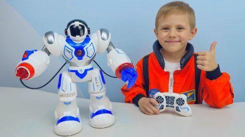 Таких роботов можно программировать самостоятельно и управлять ими.