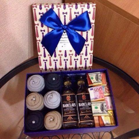 В одну коробку можно сложить сразу несколько презентов и получить один необычный и приятный!