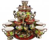 Чайный сервиз и самовар с росписью в национальных традициях