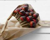 Букет из клубники с шоколадом