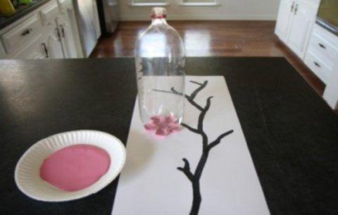 Цветы сакуры из розовой краски.
