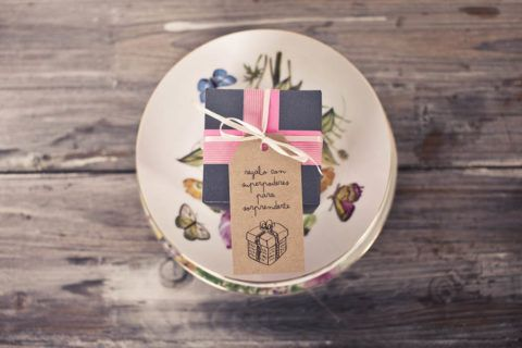 Оформление тарелок к дарению