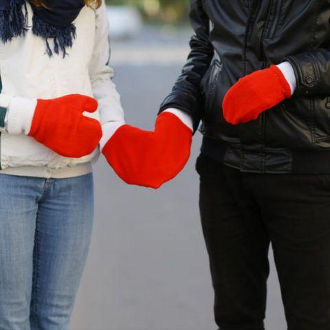 Варежки для тех, кто любит держаться за руки
